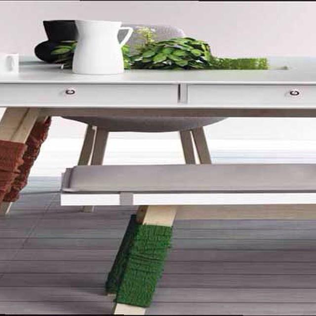 Mesa de comedor con calentadores!!.... Porque no?.nuevas propuestas en decoración http://www.laalcoba.com/nuevas-propuestas/ #laalcobazgz #decoración #porqueno? #nuevaspropuestas #decoracionvintage