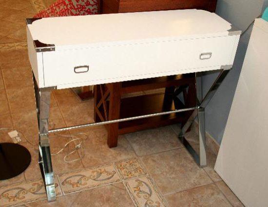 Mueble auxiliar chapa de roble lacado a poro abierto