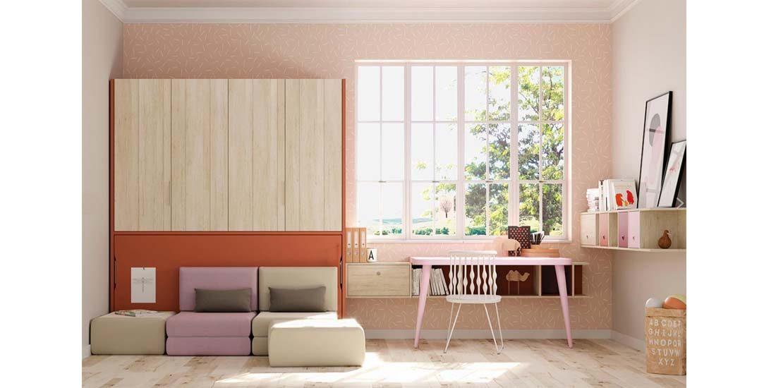 Cama abatible horizontal con armario en la parte superior.